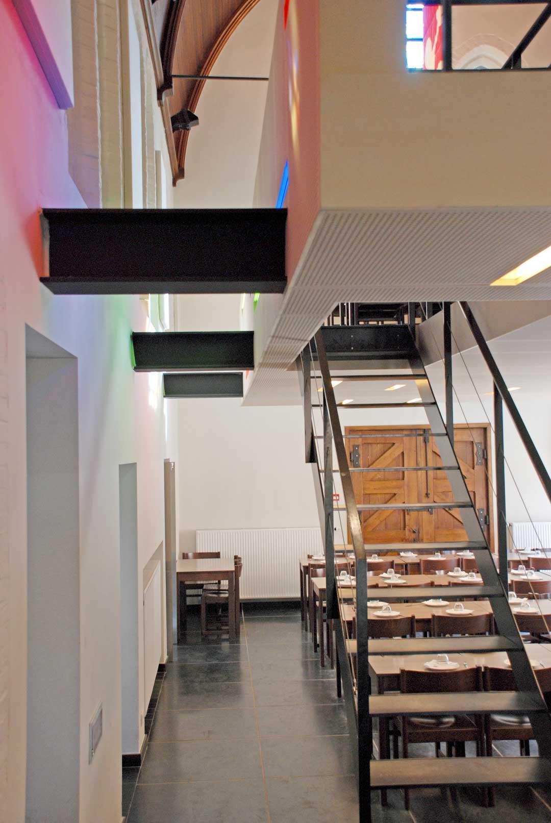 Kunstlicht renovatie Karmel Brugge AVDK Architecten